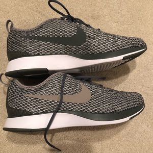 Nike youth 6. work once. great condition.